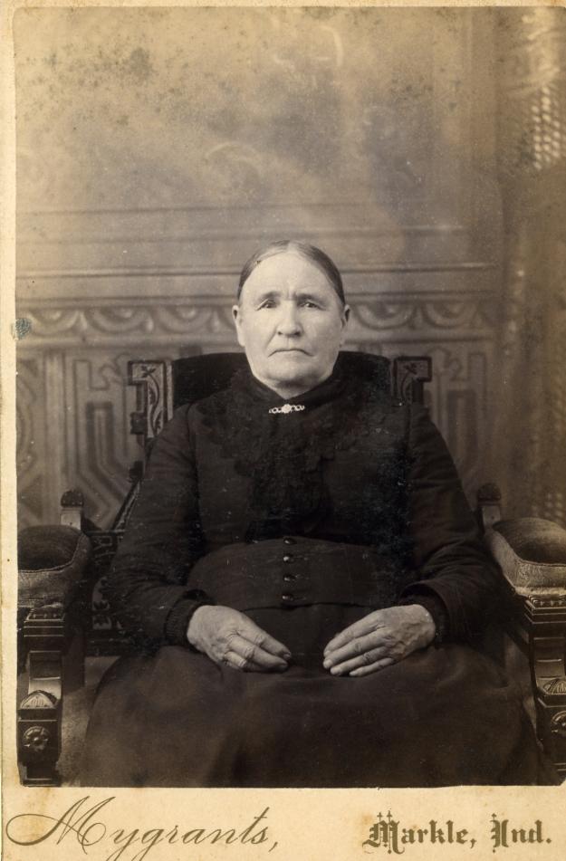 ElizabethMyeresCrites001